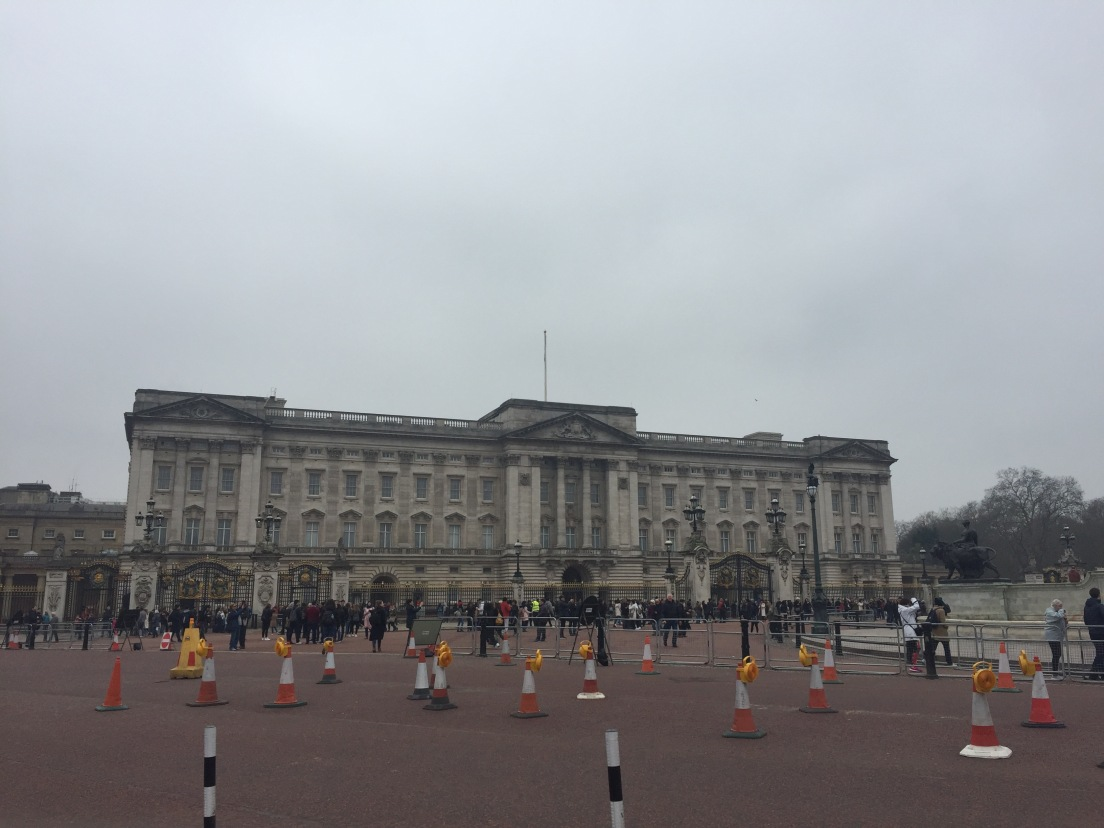 Meh Castle, Errr, Buckingham Palace